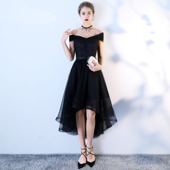 Chic / Beautiful Black Homecoming Graduation Dresses 2018 A-Line / Princess Bow Off-The-Shoulder Backless Sleeveless Asymmetrical Formal Dresses