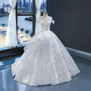High-end White Wedding Dresses 2020 Ball Gown Off-The-Shoulder Short Sleeve Backless Appliques Lace Sweep Train Ruffle