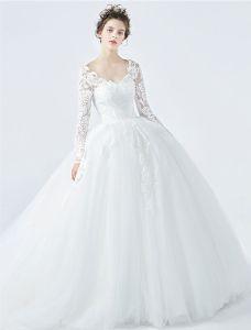 Elegante Brautkleider 2017 V-ausschnitt Applique Spitzen Ballkleid Brautkleider Mit Ärmeln