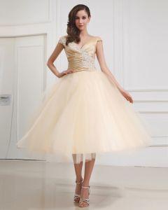V-ausschnitt Stickerei Kurzen Brautkleider Hochzeitskleid