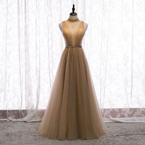 Charmant Champagner Abendkleider 2020 A Linie Stehkragen Perlenstickerei Kristall Ärmellos Rückenfreies Lange Festliche Kleider