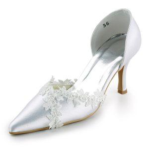 Escarpins Blanches Élégants Escarpins Chaussures De Mariage En Satin Avec De La Dentelle Appliques