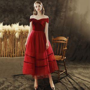 Eleganckie Burgund Zamszowe Homecoming Sukienki Na Studniówke 2020 Princessa Przy Ramieniu Bez Rękawów Bez Pleców Długość Herbaty Sukienki Wizytowe