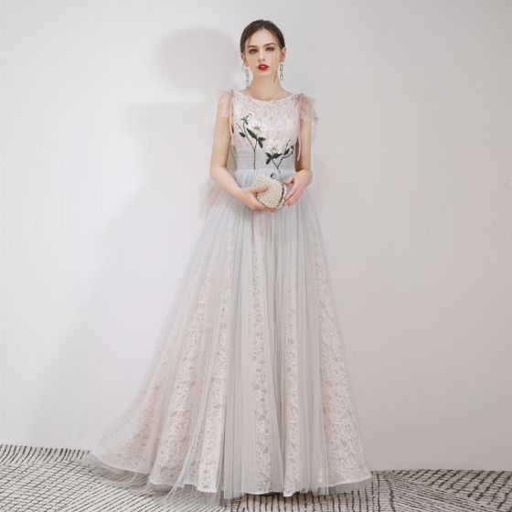Best Grey Lace Evening Dresses  2019 A-Line / Princess Scoop Neck Sleeveless Appliques Lace Floor-Length / Long Ruffle Backless Formal Dresses