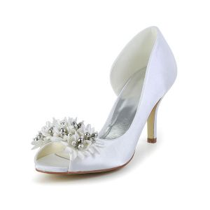 Beautiful White Bridal Shoes 3 Inch Stiletto Heels Satin Pumps With Handmade Flowers