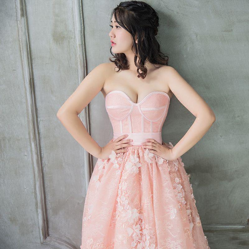 Elegante Pearl Rosa Ballkleider 2018 A Linie Perle Applikationen Herz-Ausschnitt Rückenfreies Ärmellos Kapelle-Schleppe Festliche Kleider