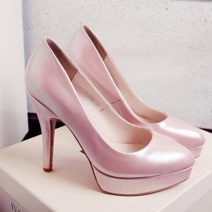 Elegante Roze Pumps Met Naaldhakken Lakleren Hoge Hakken Verkleuring Damesschoenen