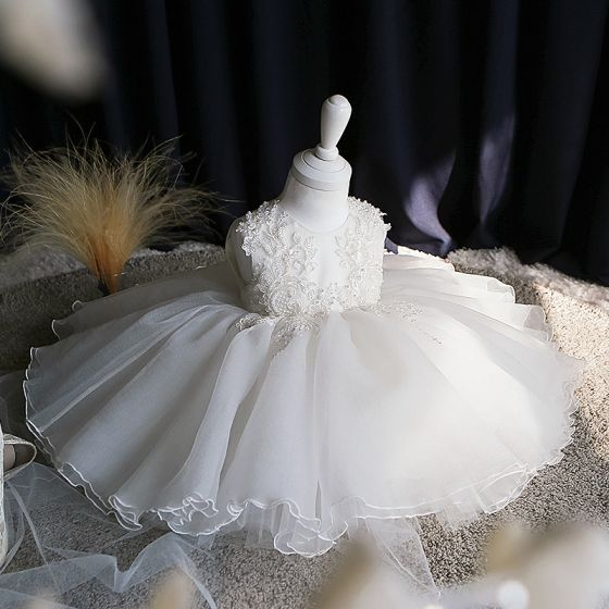 Chic / Beautiful White Organza Summer Flower Girl Dresses 2020 Ball Gown Scoop Neck Sleeveless Appliques Lace Pearl Short Ruffle Wedding Party Dresses