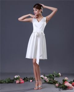Charmeuse Sash V-Neck Knee Length Graduation Dress