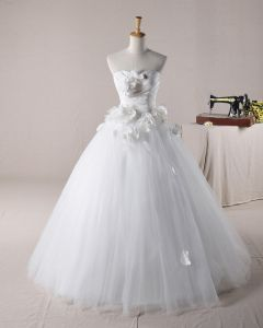 Elegant Ruffles Applique Beading Sweetheart Tulle A Line Wedding Dress