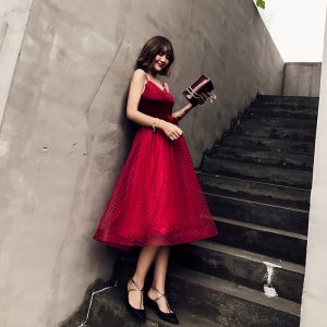 Sexy Burgundy Party Dresses 2019 A-Line / Princess Spaghetti Straps Sleeveless Bow Sash Spotted Tulle Tea-length Ruffle Backless Formal Dresses
