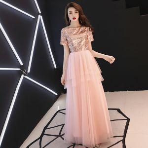 Abordable Rougissant Rose Robe De Soirée 2019 Princesse Encolure Carrée Manches Courtes Paillettes Longue Volants Robe De Ceremonie