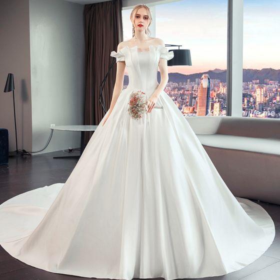 2ee9fe1dd6 Eleganckie Proste   Simple Kość Słoniowa Suknie Ślubne 2019 Princessa Przy  Ramieniu Kótkie Rękawy Bez Pleców Trenem Katedra