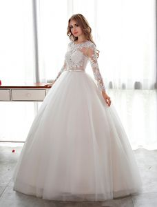 Elegant Lace Wedding Dress Scoop Neckline Pierced Bridal Ball Gown With Sash