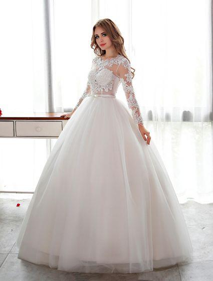Elegant Lace Wedding Dress Scoop Neckline Pierced Bridal Ball Gown ...
