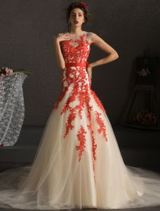 Stunning Prom Dresses 2016 Mermaid Applique Red Lace Champagne Tulle Dress With Bow-knot