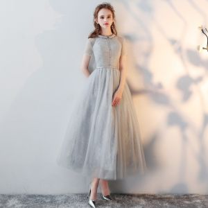 Chic / Beautiful Grey Homecoming Graduation Dresses 2018 A-Line / Princess Scoop Neck Short Sleeve Tea-length Formal Dresses