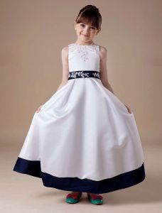 White Sleeveless Appliques Satin Flower Girl Dress