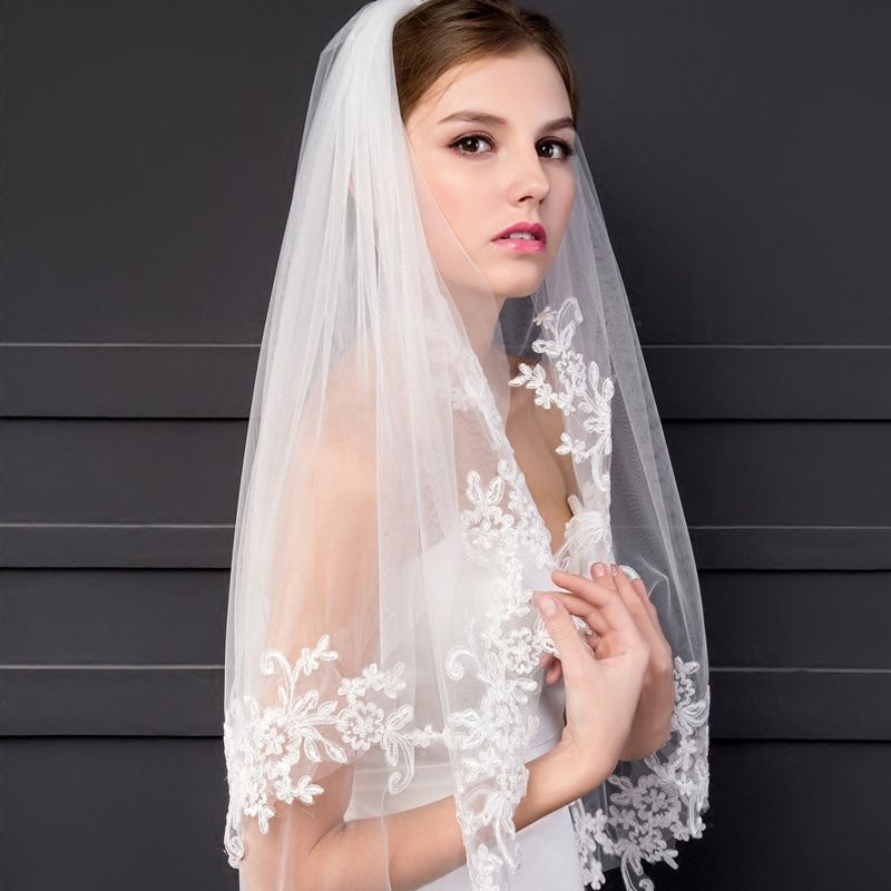 Chic / Beautiful 2017 1.5 m White Lace Tulle Appliques Outdoor / Garden Wedding Veils