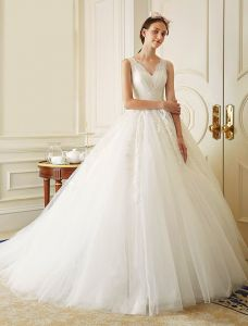 2016 Eleganta Spetsar V-ringad Balklänning Applikationer Spets Bröllopsklänning Med Strass