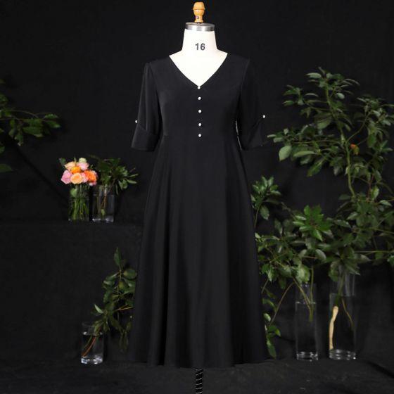 Klassisk Elegant Svart Pluss Størrelse Selskapskjoler 2021 Prinsesse V-Hals 1/2 Ermer Satin Spenne Perle Ensfarget Aften Korte Formelle Kjoler