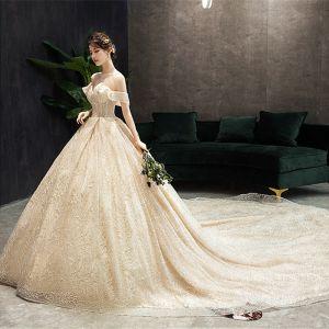 Luxus / Herrlich Champagner Brautkleider / Hochzeitskleider 2019 A Linie Off Shoulder Perlenstickerei Spitze Blumen Pailletten Kurze Ärmel Rückenfreies