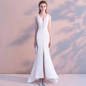 Modest / Simple Ivory Evening Dresses  2018 Trumpet / Mermaid V-Neck Backless Sleeveless Floor-Length / Long Formal Dresses