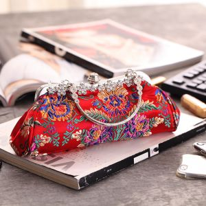 Chinese style Red Embroidered Flower Beading Rhinestone Metal Clutch Bags 2018