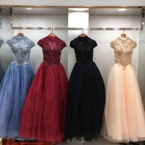 Vintage / Retro Prom Dresses 2018 Ball Gown High Neck Cap Sleeves Beading Floor-Length / Long Ruffle Backless Formal Dresses