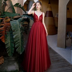 Sexy Burgundy Prom Dresses 2020 A-Line / Princess Spaghetti Straps Deep V-Neck Sleeveless Sequins Beading Sweep Train Ruffle Backless Formal Dresses