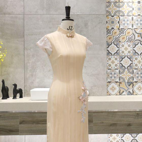 Schöne Gold Cheongsam 2020 Stehkragen Kurze Ärmel Applikationen Spitze Wadenlang Festliche Kleider