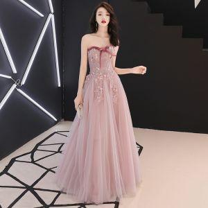 Elegante Rosa Ballkleider 2019 A Linie Schleife Herz-Ausschnitt Ärmellos Applikationen Spitze Blumen Perle Strass Lange Rüschen Rückenfreies Festliche Kleider