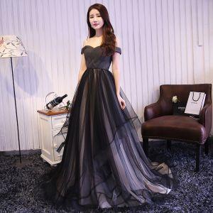 Hermoso Negro Ruffle Vestidos de noche 2018 A-Line / Princess Fuera Del Hombro Sin Mangas Sin Espalda Colas De Barrido Vestidos Formales