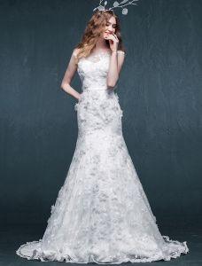 Utsökta Trumpet Sjöjungfru Applikationer Blommor Spets Bröllopsklänning