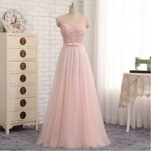 Chic / Beautiful Candy Pink Evening Dresses  2017 A-Line / Princess Lace Bow Rhinestone V-Neck Backless Sleeveless Floor-Length / Long Evening Party