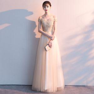Abordable Doré Robe De Soirée 2019 Princesse De l'épaule Manches Courtes Appliques En Dentelle Faux Diamant Longue Volants Dos Nu Robe De Ceremonie