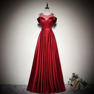 Eleganta Enfärgad Burgundy Aftonklänningar 2020 Prinsessa Urringning Korta ärm Halterneck Långa Formella Klänningar