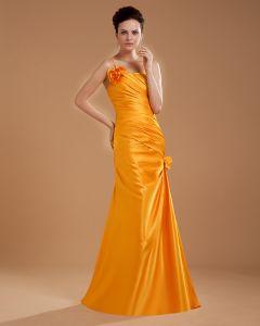Une Fleur D'epaule Longueur De Plancher Meres De Robes De Mariée Invites
