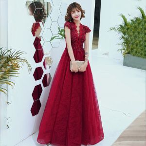 Mode Rot Spitze Durchsichtige Abendkleider 2020 A Linie V-Ausschnitt Kurze Ärmel Perlenstickerei Lange Rückenfreies Festliche Kleider