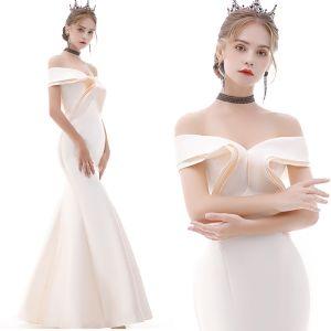 Erschwinglich Champagner Abendkleider 2020 Meerjungfrau Off Shoulder Kurze Ärmel Lange Rüschen Rückenfreies Festliche Kleider