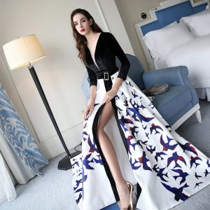 Chic / Beautiful Black Evening Dresses  2017 A-Line / Princess V-Neck Crossed Straps Backless Printing Charmeuse Evening Party