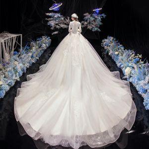 Beskjeden Elfenben Bryllups Brudekjoler 2020 Ballkjole V-Hals 3/4 Ermer Appliques Blonder Beading Perle Cathedral Train Buste