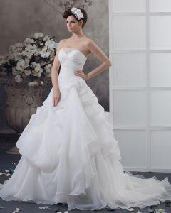Satin Beading Volanger Axelbandslos Chapel A-line Brudklänningar Bröllopsklänningar