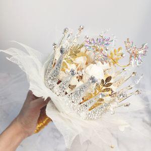 Oszałamiający Przyciągająca wzrok Białe Bukiety Ślubne 2020 Metal Tiulowe Aplikacje Frezowanie Kryształ Rhinestone Wykonany Ręcznie Ślub Bal Akcesoria