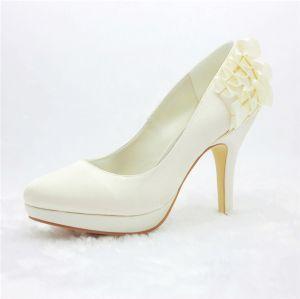 Simples Mariée Escarpins De Satin Chaussures Avec Ondulé