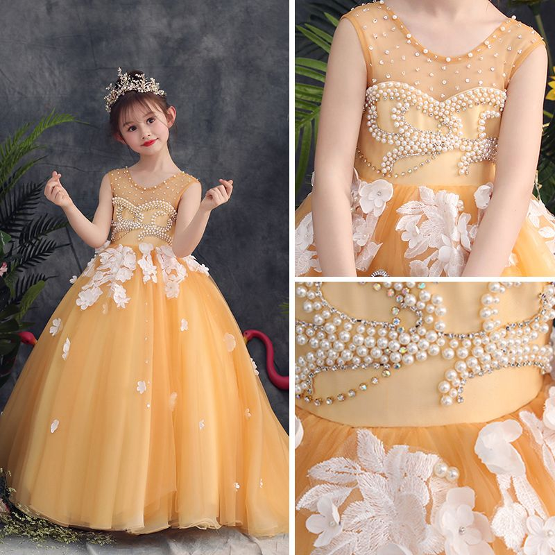 Lovely Gold Flower Girl Dresses 2019 A-Line / Princess Scoop Neck Sleeveless Appliques Flower Pearl Rhinestone Sweep Train Ruffle Backless Wedding Party Dresses
