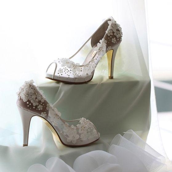 Lovely White Flower Wedding Shoes 2017 Open / Peep Toe Rhinestone Pearl 10 cm Platform Pumps High Heels Womens Shoes