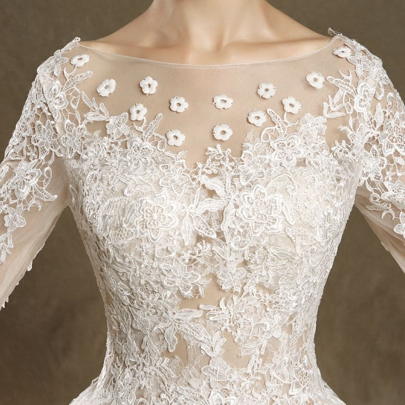 Modern / Fashion Wedding Dresses 2017 Ivory Ball Gown Sweep Train Scoop Neck Long Sleeve Backless Pierced Lace Appliques