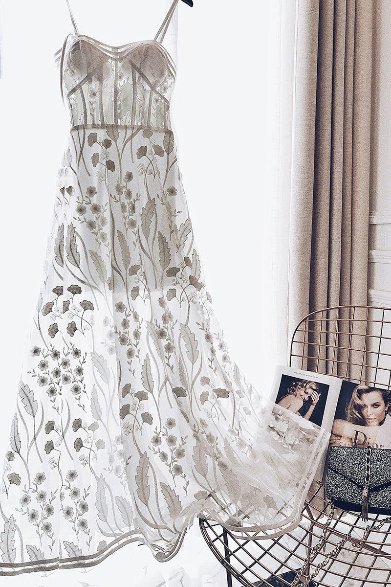 Chic / Belle Été Blanche Robe De Soirée 2018 Princesse Bretelles Spaghetti Sans Manches Appliques En Dentelle Longueur Cheville Volants Dos Nu Robe De Ceremonie