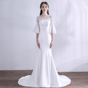 Modest / Simple White Wedding Dresses 2018 Trumpet / Mermaid Lace Beading Scoop Neck 1/2 Sleeves Backless Sweep Train Wedding